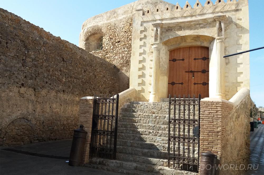 Португальские крепостные стены в Асиле