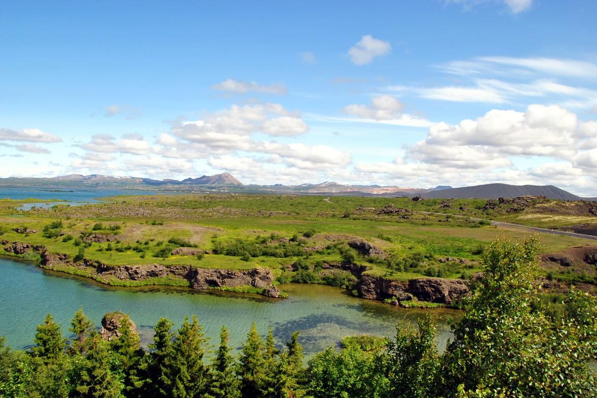 Озеро Миватн в Исландии