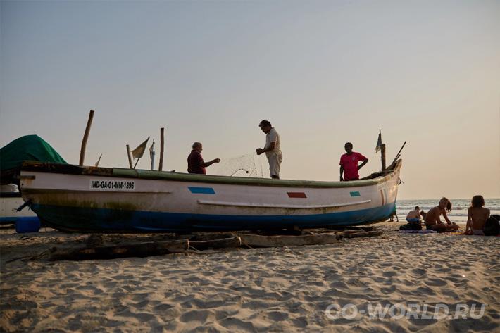фотографии туристов пляж Морджим Гоа
