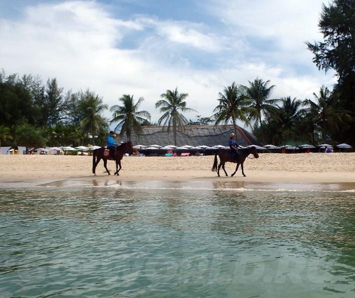 Пляж Лаян на Пхукете - фото