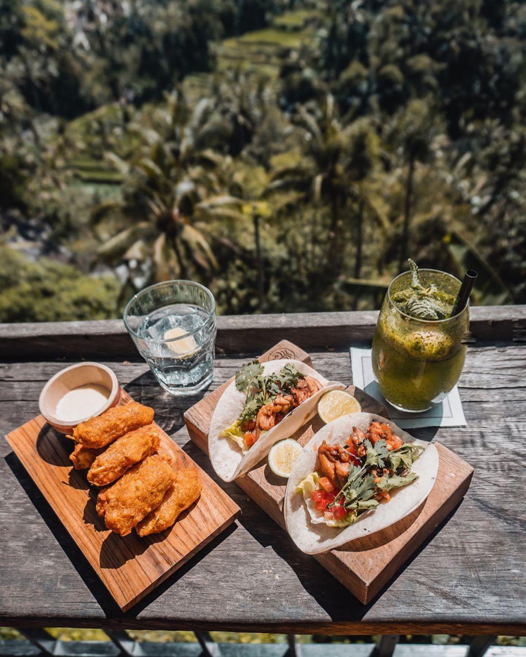 Рестораны с лучшими видами на Бали