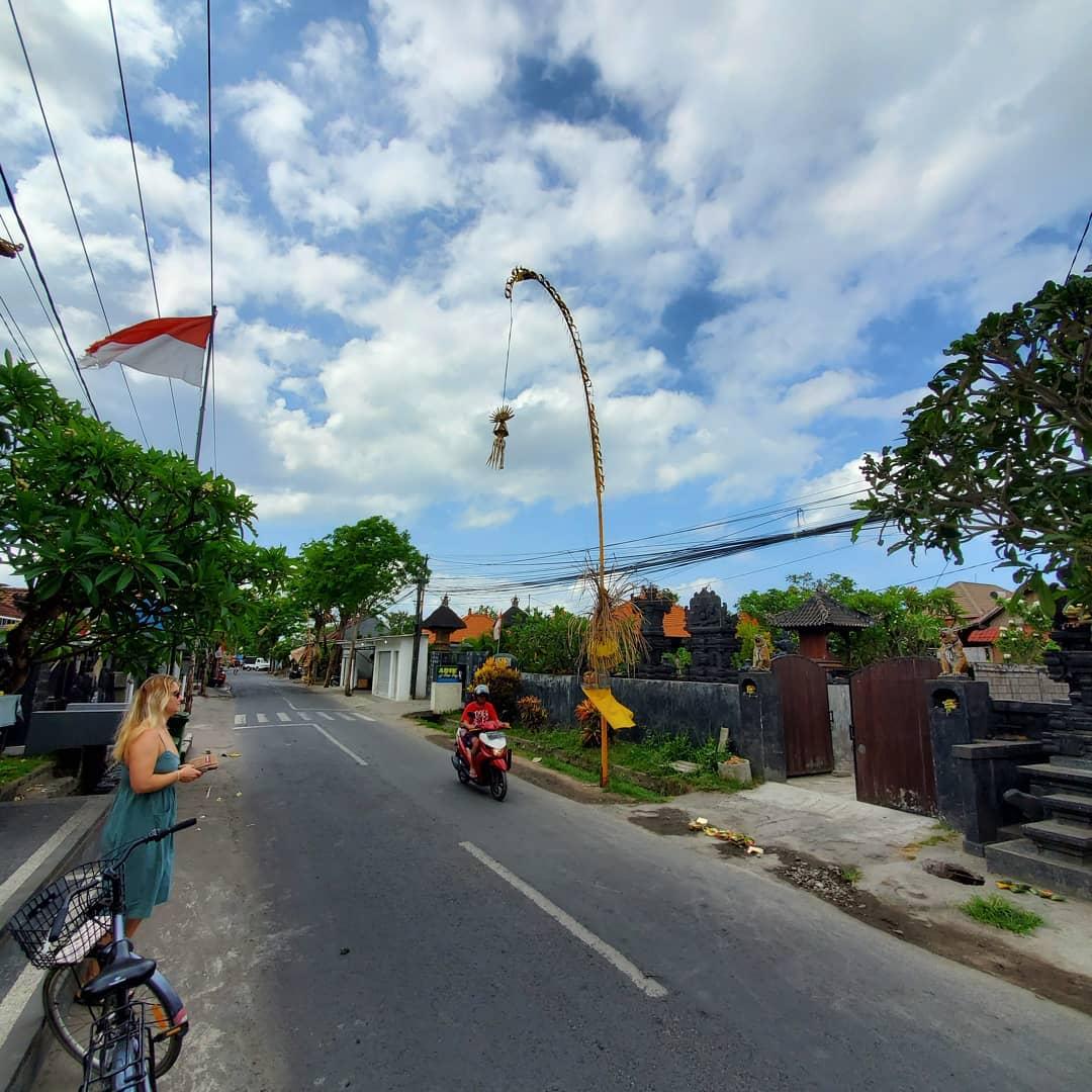 Дорожное движение на Бали, байк