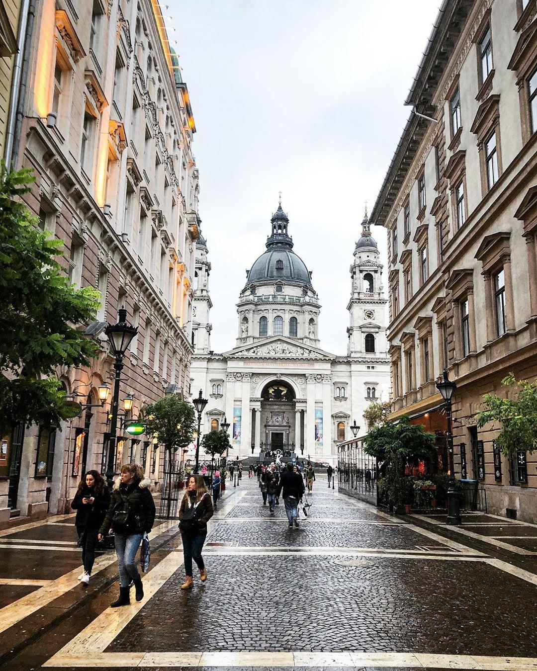 Фото на улице Будапешта