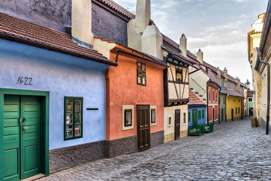 Злата Улочка в Праге - бесплатный вход